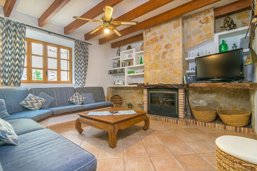 Chalet, Terrace, Garden View (4 Bedrooms) - Living Room
