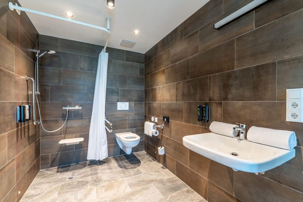 Phòng Tiêu chuẩn, 2 giường đơn, Phù hợp cho người khuyết tật - Phòng tắm