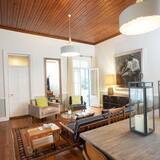 Classic House - Ruang Tamu