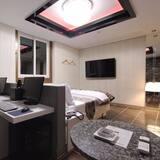 Huone (Suite room (spa)) - Rakennuksen arkkitehtuuri