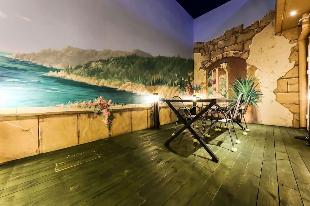 Room (Sky Lounge A (Outdoor Pool Cinema)) - Guest Room