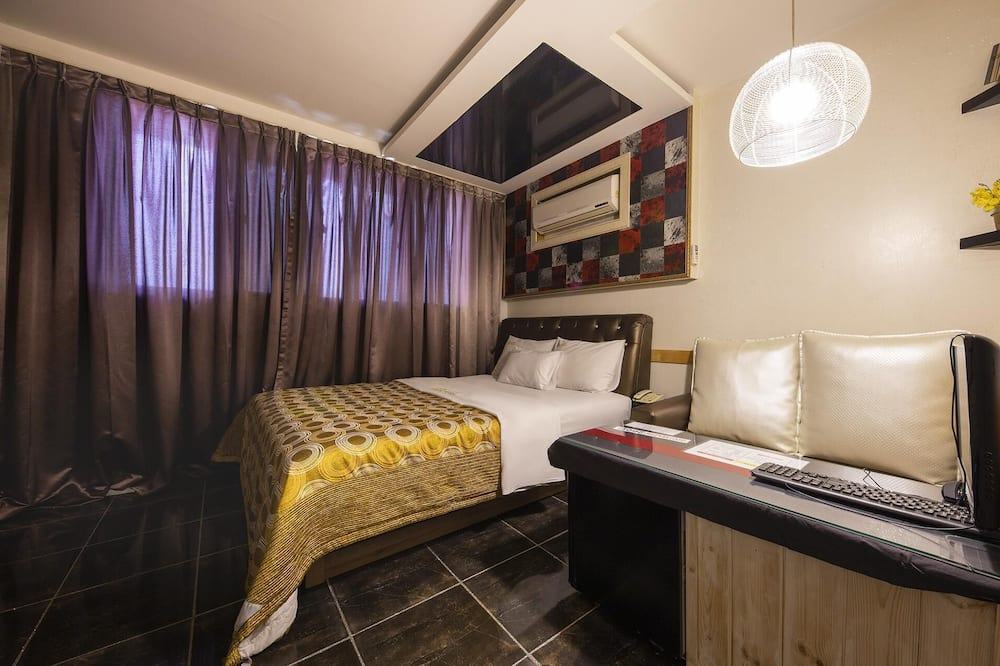 Zimmer (Special Room) - Zimmer