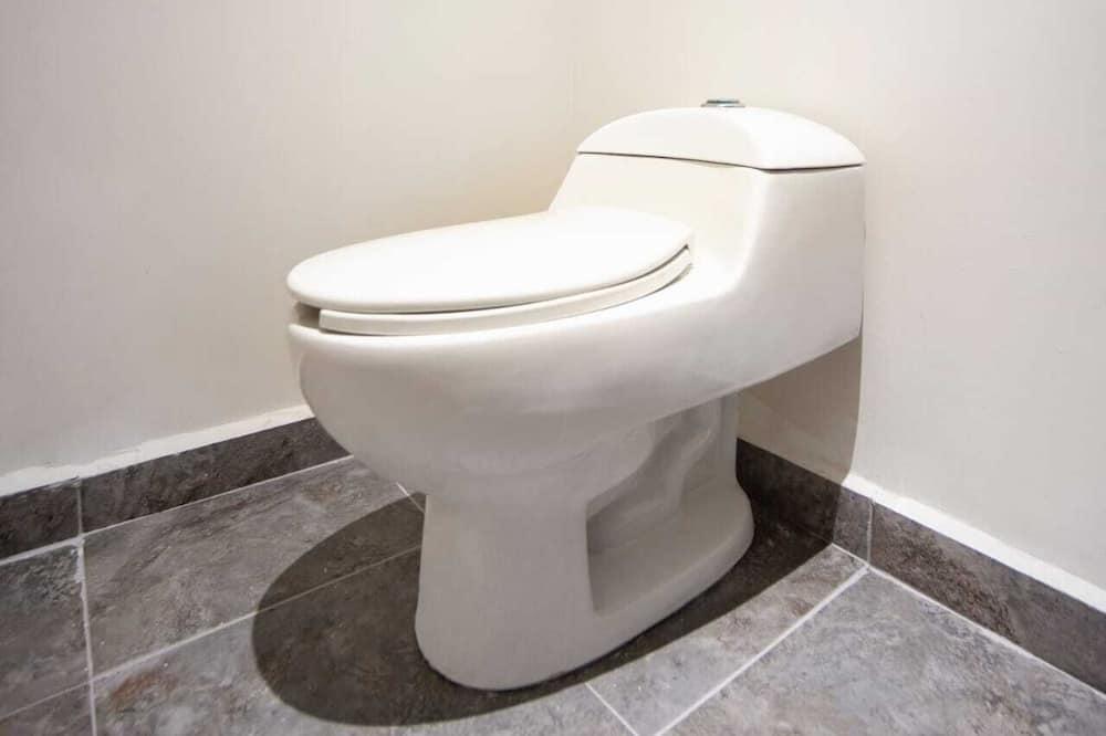 Kamar Double Standar - Kamar mandi