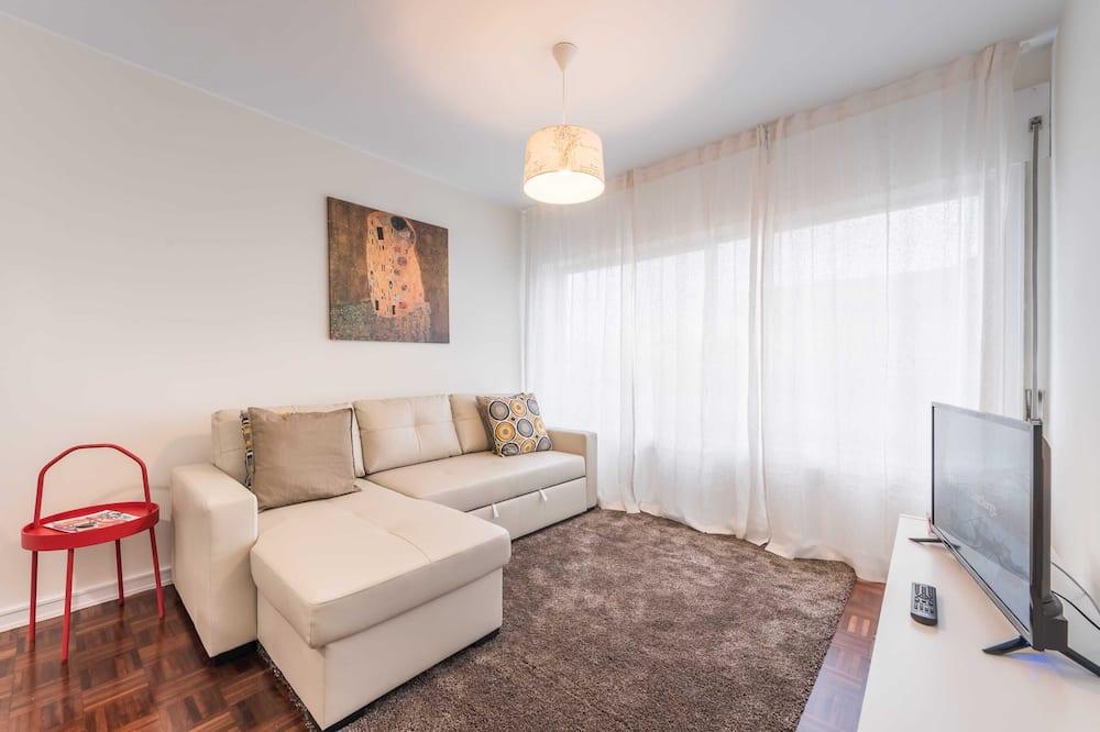 Apartamento Básico, várias camas - Sala de Estar