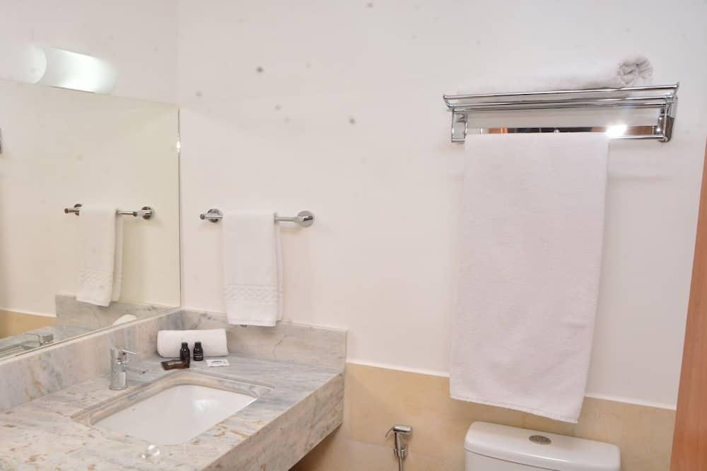 Standard Double Room, Non Smoking - Bilik mandi