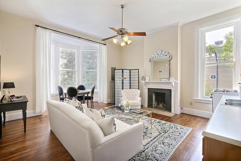Apartment, Multiple Beds (Charlton On Lafayette) - Living Room