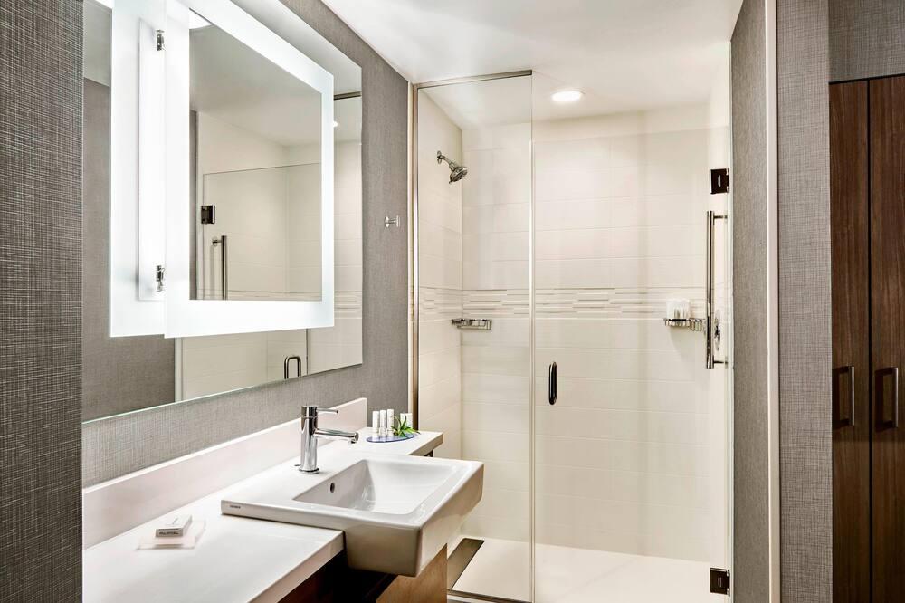 Люкс, 1 двуспальная кровать «Кинг-сайз», для некурящих - Ванная комната