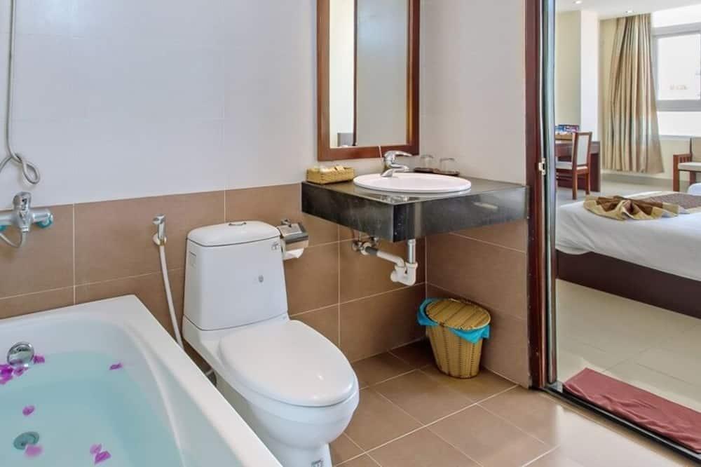 VIP Family Room - Bathroom