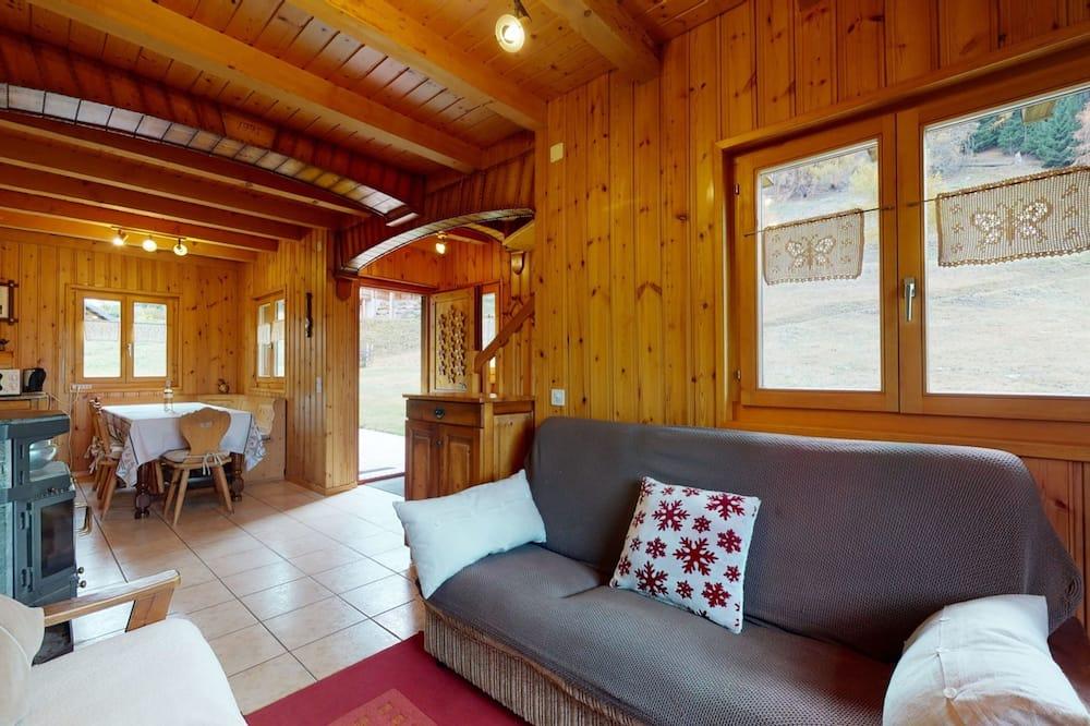 Basic Chalet, Multiple Beds - Living Room