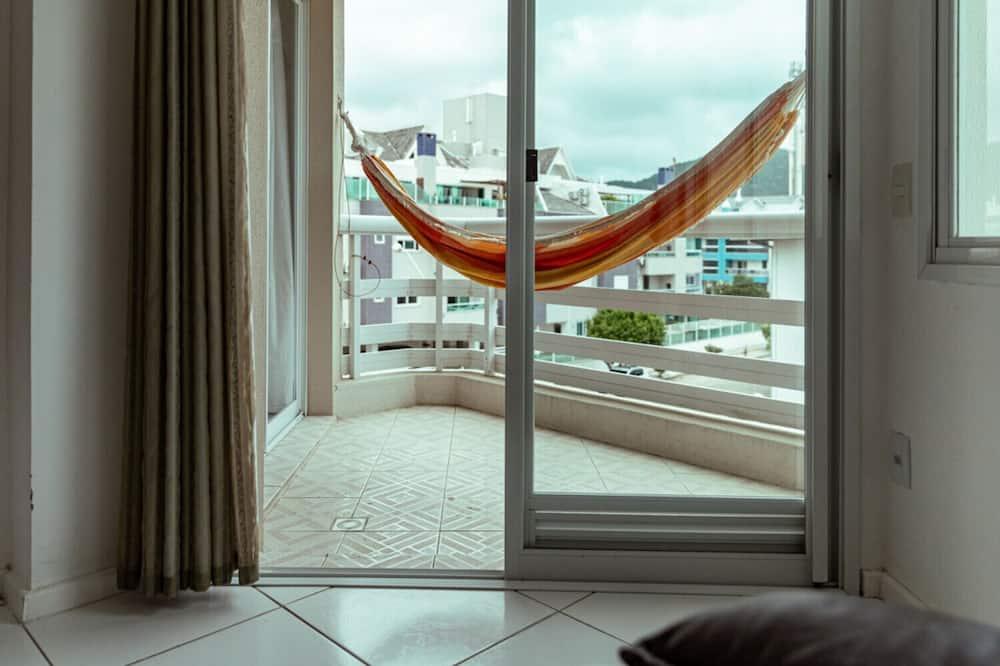Apartamento em Condomínio Resort, 3 Minutos da Praia