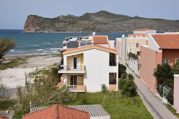 Picture of Manos Beachfront Apartments in Chania