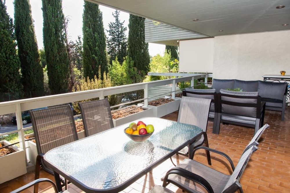 Delux Apartment with Amazing Balcony
