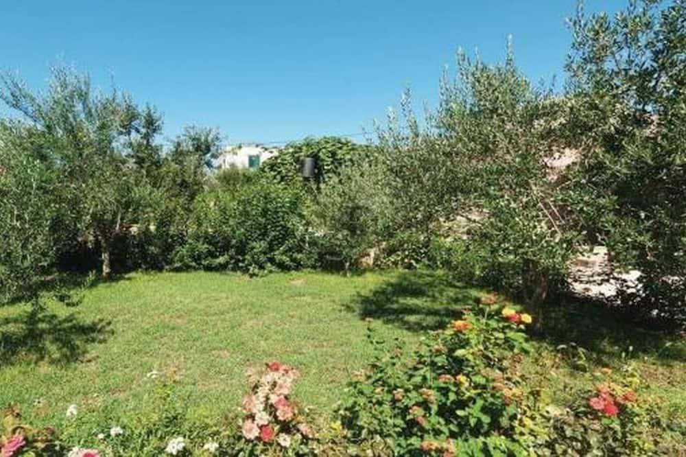 Family Apartment - Garden View