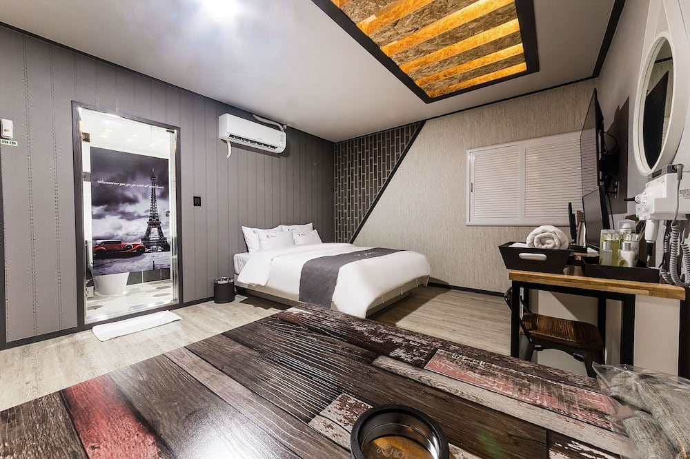 Room (Special Room) - Building design