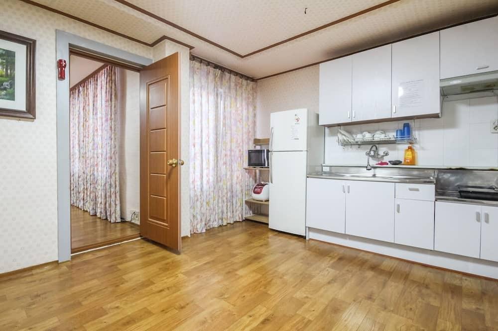 Izba (Pension room (8-12 people)) - Hosťovská izba