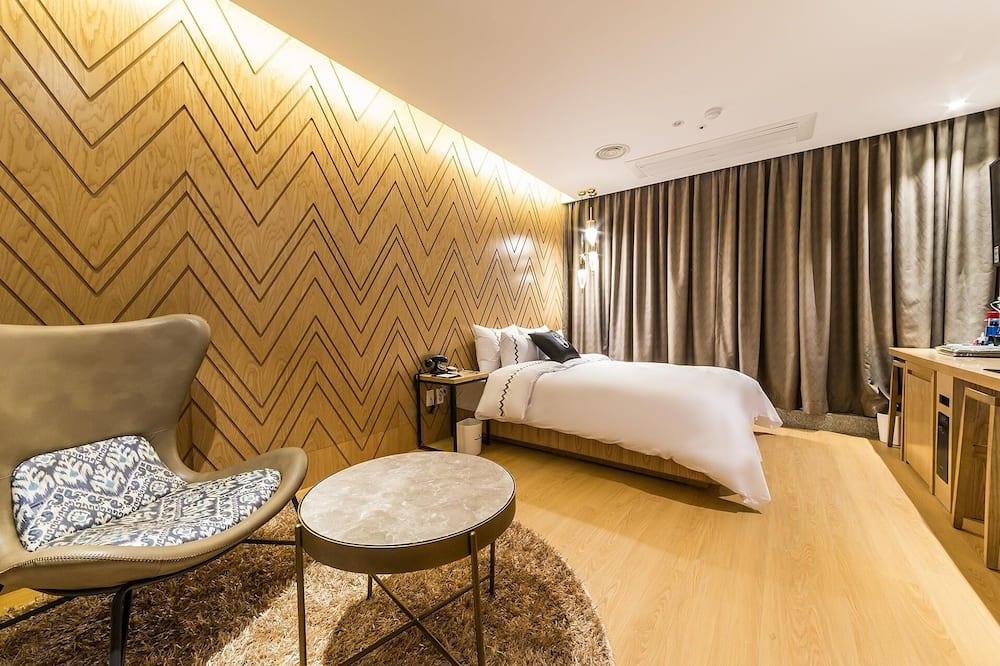 Room (Deluxe Double with Breakfast) - Guest Room