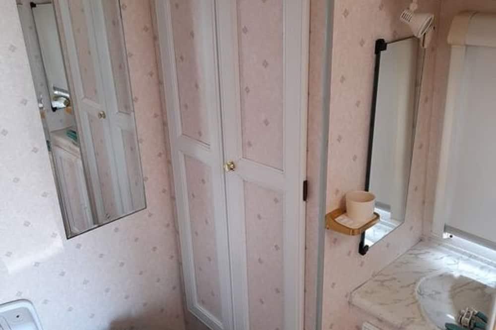 Домик, 1 двуспальная кровать «Кинг-сайз» - Ванная комната