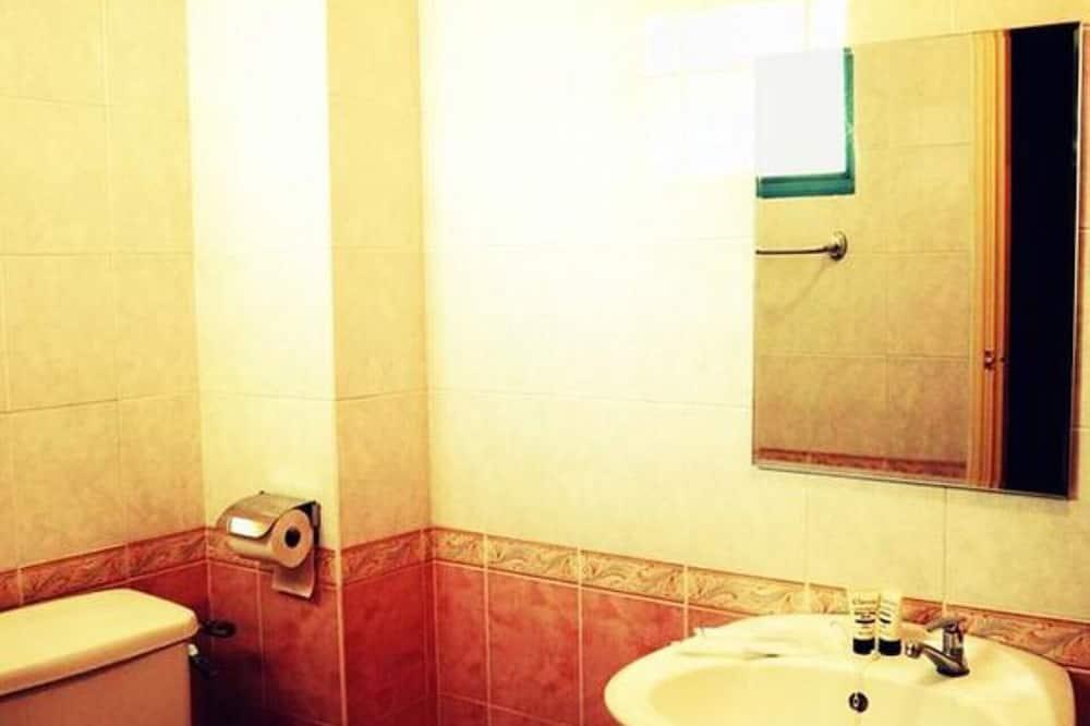 Superior szoba, 1 queen (nagyméretű) franciaágy - Fürdőszoba