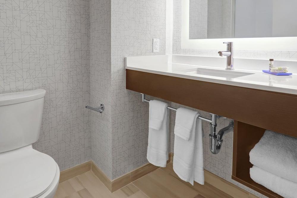 Habitación, 2 camas de matrimonio, accesible para personas con discapacidad, no fumadores (Hearing) - Cuarto de baño