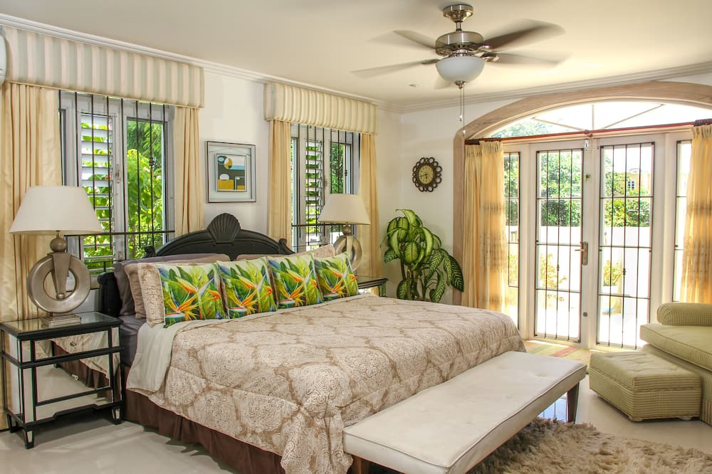 Comfortable, Cozy, King Bedroom Suite in a Lovely Private Residence
