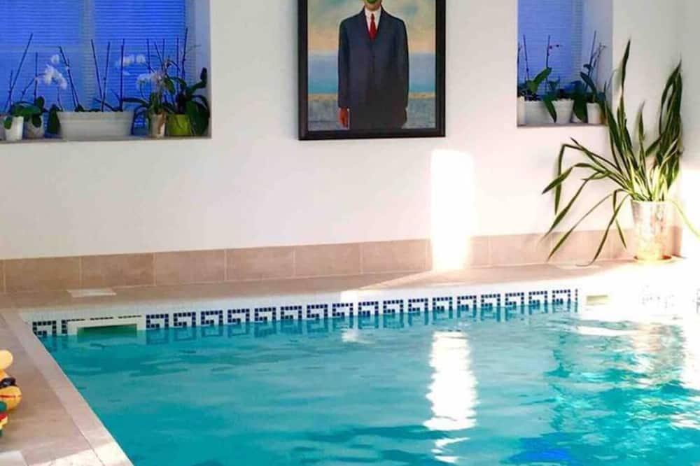 Dom, viacero postelí - Bazén