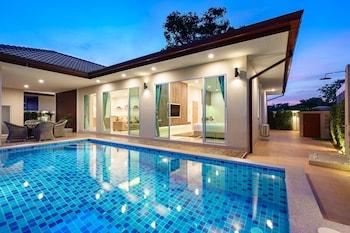 Picture of Luxury Pool Villa A18 in Bang Lamung