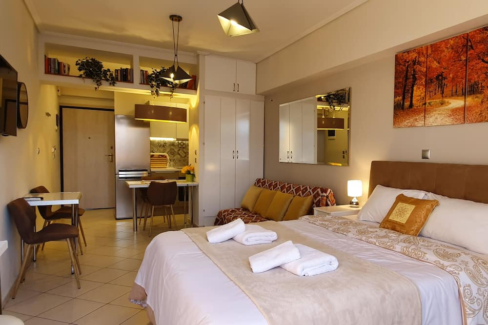 Cozy Apt in the Heart of Athens 8-1