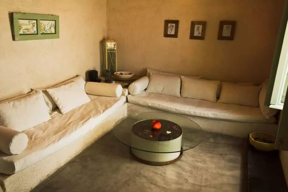 Traditional House, 1 Bedroom, Sea View (2) - Living Area