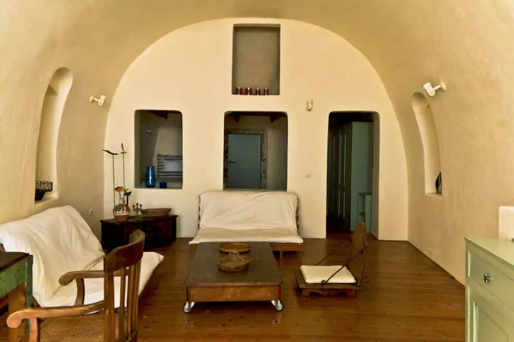 Traditional House, 1 Bedroom, Sea View - Living Area
