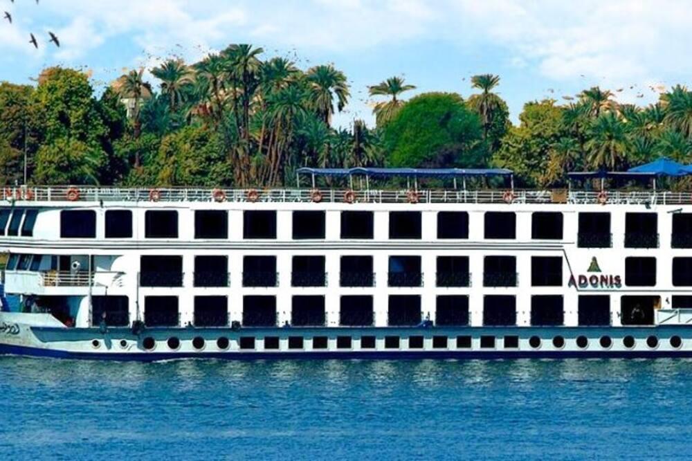 Adonis Nile Cruise, Turah