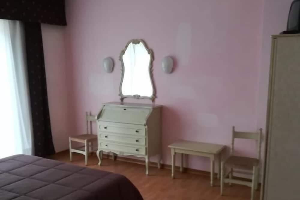 Izba typu Comfort s dvojlôžkom alebo oddelenými lôžkami - Hosťovská izba