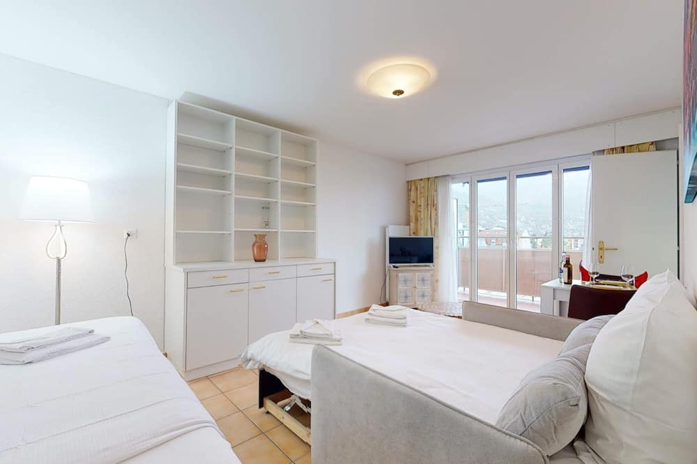 Basic Studio, Multiple Beds - Room