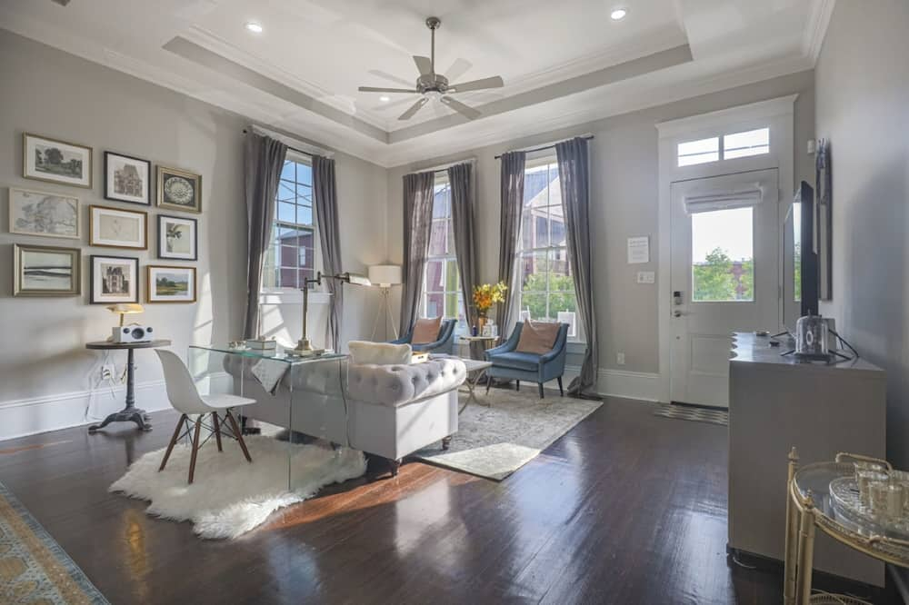Stunning 3-Bedroom House Steps to Magazine St.