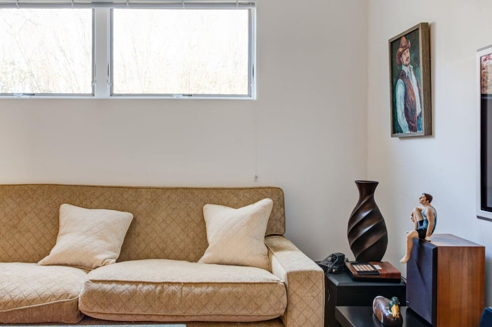 Dom, viacero postelí (Bridgehampton Beach Walk) - Obývačka