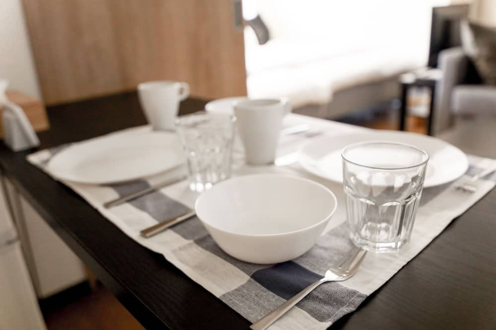 City Apartment, Non Smoking (203) - In-Room Dining