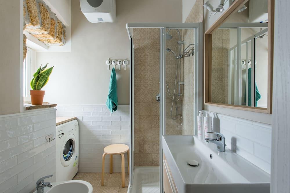 Studio - Kylpyhuone