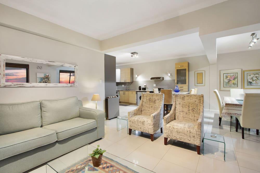 Grand Apartment - Ruang Tamu