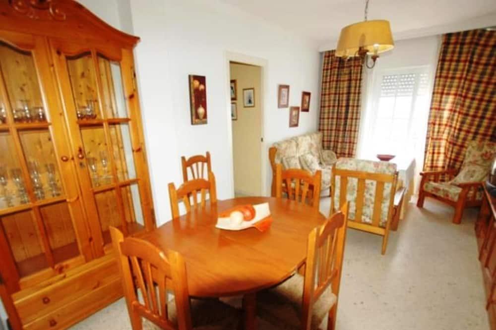 เบสิกอพาร์ทเมนท์, 3 ห้องนอน - ห้องนั่งเล่น