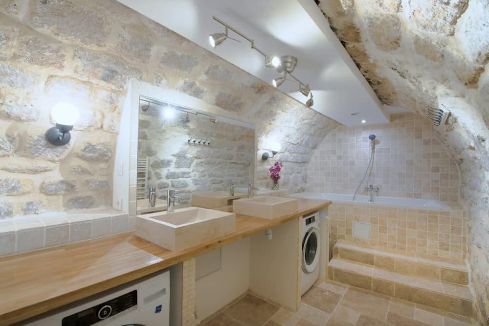 Apartemen, kamar mandi pribadi - Kamar mandi