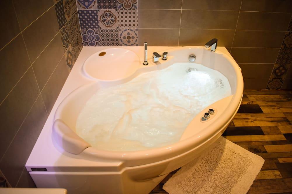 Luxus ház, mozgássérültek számára is hozzáférhető, pezsgőfürdő - Fürdőszoba