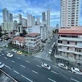 City-Doppelzimmer, 2Doppelbetten - Blick auf die Stadt