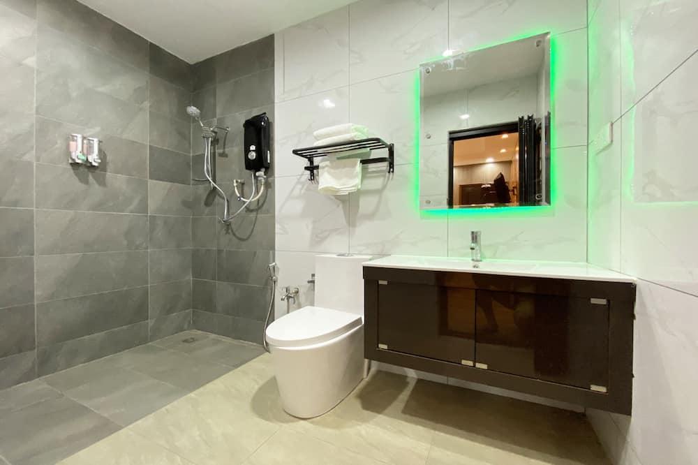 Deluxe Tek Büyük Yataklı Oda, 1 En Büyük (King) Boy Yatak - Banyo
