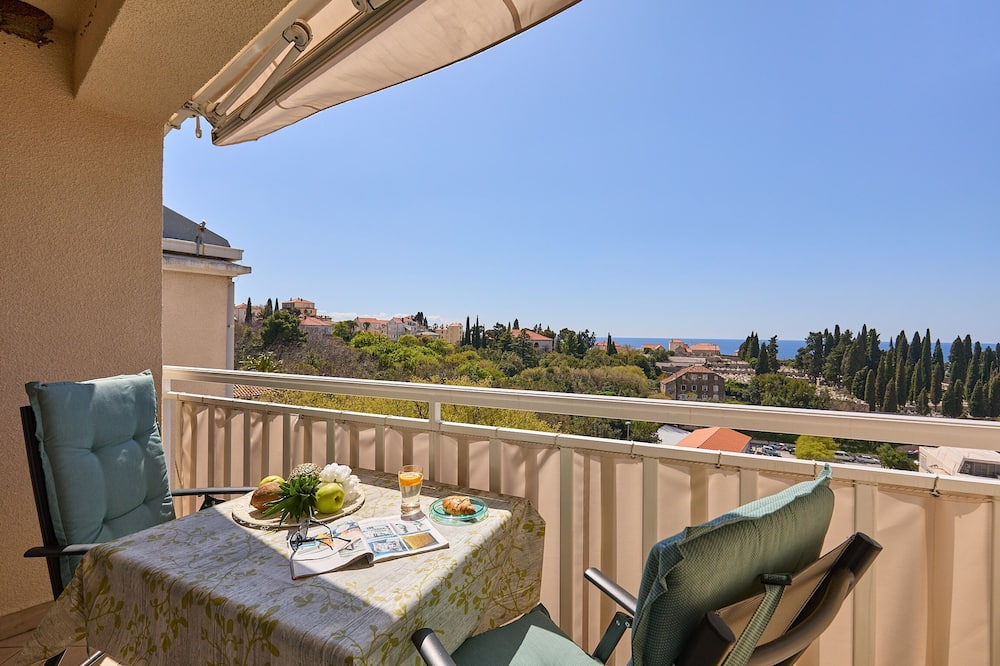 Apartment (3 Bedrooms) - Balcony