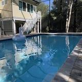 Hus (Ardsley Way) - Svømmebasseng