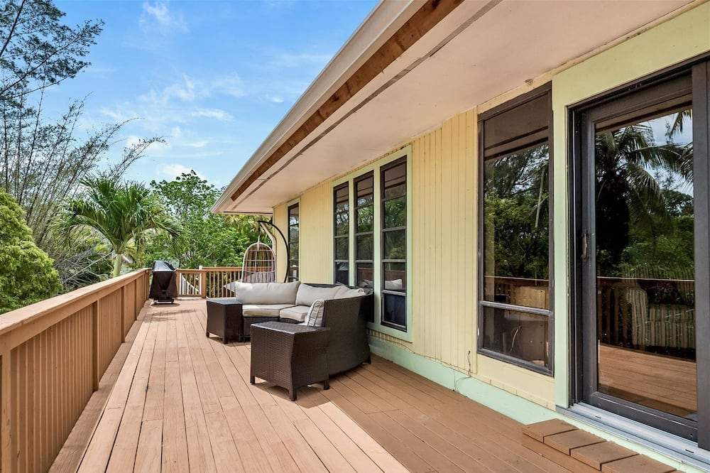 House (Bunting Lane) - Balcony