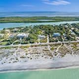 House (Palmflower House) - Beach