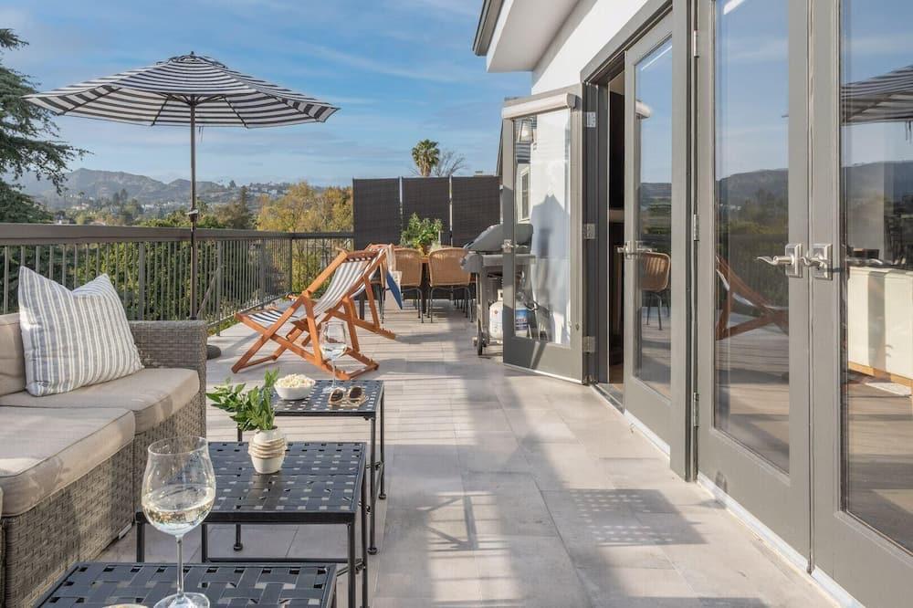 Будинок, багатомісний номер (Edendale - Urban Hilltop Oasis w View) - Балкон