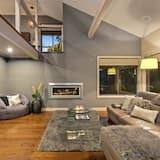 Luxury Room - Living Room