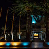AVANTI HOTEL & CONVENTION CENTER