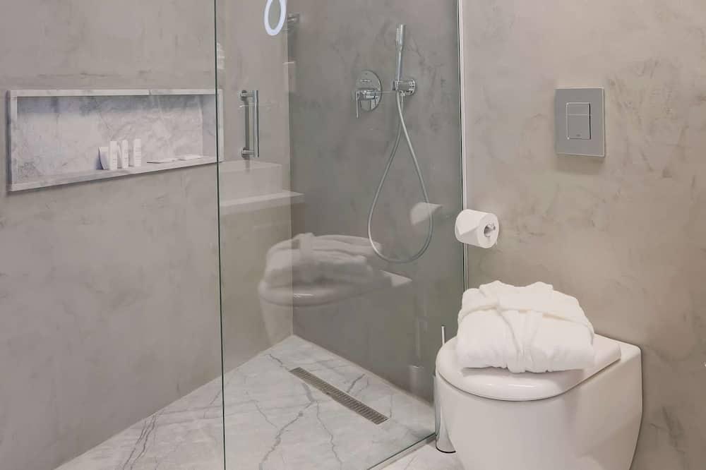 Huone, Parveke, Näköala uima-altaalle (Garden) - Kylpyhuone
